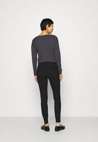 Benetton - TROUSERS - Pantaloni - black - 2