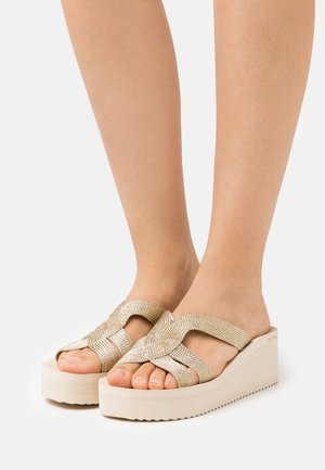 WEDGE GREEK - Sandaler - gold