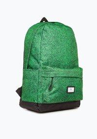Ones Supply Co. - Reppu - green - 2