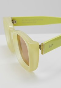 RETROSUPERFUTURE - LIRA MATTE - Zonnebril - yellow - 5