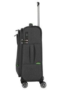 Travelite - MADEIRA - Wheeled suitcase - anthracite/green - 3