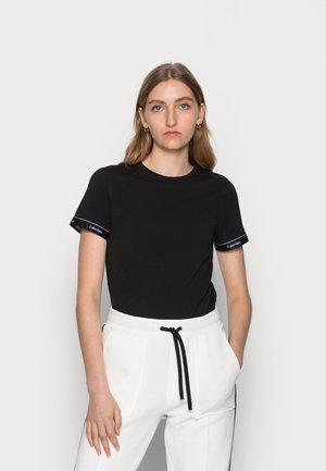 LOGO TAPE CUFF SLIM FIT - Print T-shirt - black
