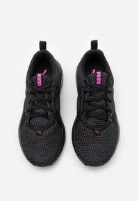 Puma - CHROMA - Obuwie treningowe - black/asphalt/luminous pink - 3