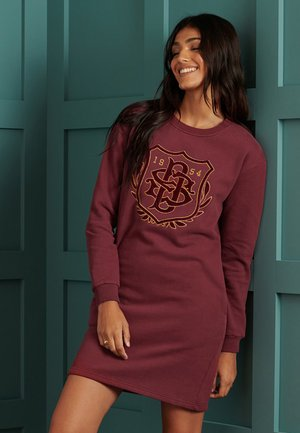 VARSITY GRAPHIC - Day dress - deep port
