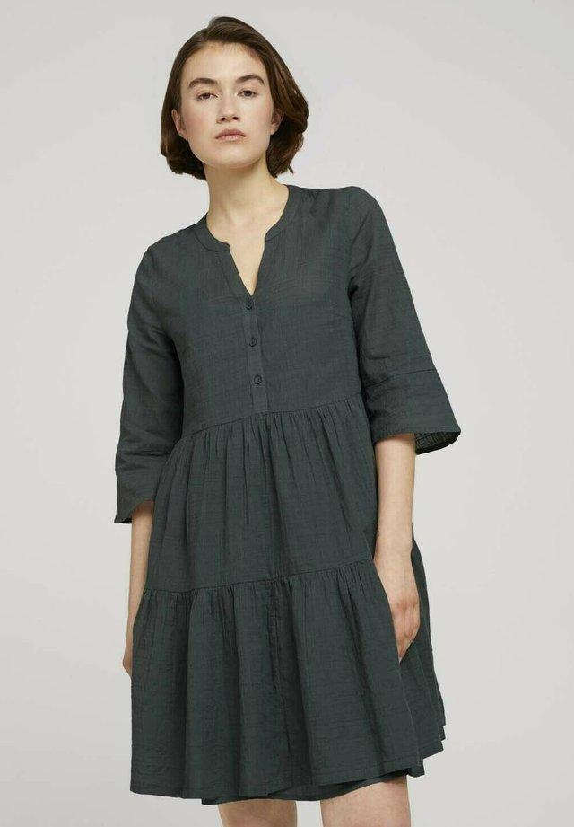 Korte jurk - dusty pine green