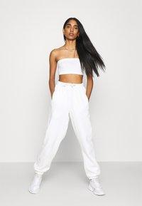 adidas Originals - PANT - Joggebukse - off white - 4