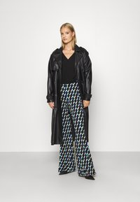 Diane von Furstenberg - BROOKLYN PANTS - Trousers - black - 1