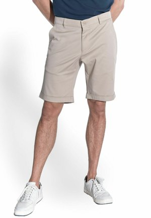CHINO-SHORTS - Shorts - beige