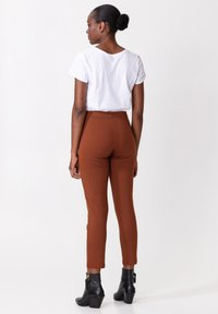 Indiska - AMARA - Trousers - brown - 2