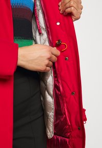Save the duck - COPYY 2-in-1 - Parka - flame red - 5