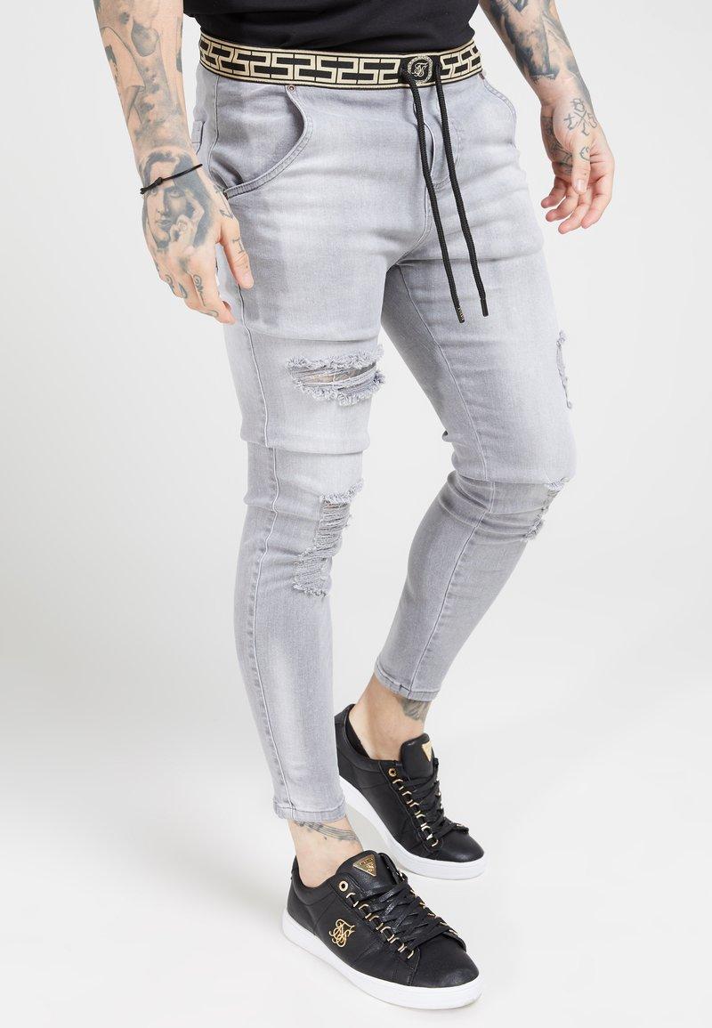SIKSILK - ELASTICATED WAIST DISTRESSED - Zúžené džíny - grey