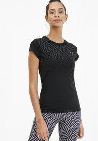 Puma - LAST LAP GRAPHIC - T-shirt de sport - black - 0
