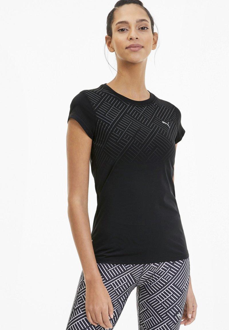 Puma - LAST LAP GRAPHIC - T-shirt de sport - black