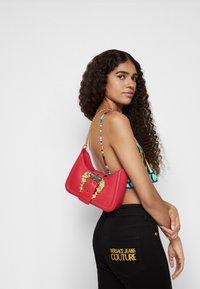 Versace Jeans Couture - BUCKLE SHOULDER BAG - Across body bag - paradise - 5