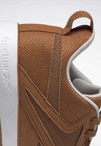 Reebok - REEBOK EVER ROAD DMX 3 SHOES - Outdoorschoenen - brown - 7