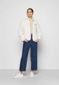Fila - SARI SHERPA JACKET - Winter jacket - eggnog - 1