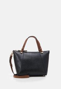 PARFOIS - SHOPPER BAG SNAKIE SET - Velká kabelka - black - 0