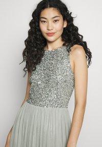 Lace & Beads Tall - BEATRICE MAXI  - Společenské šaty - sage - 3