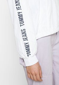Tommy Jeans - TAPE SLEEVE  - Summer jacket - white - 3