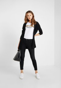 DRYKORN - NEED - Jeansy Skinny Fit - black wahed - 1