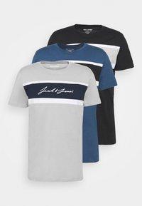 Jack & Jones - JORADAM TEE CREW NECK 3 PACK - T-shirt z nadrukiem - tap shoe - 5