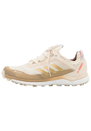 TERREX AGRAVIC FLOW GORE-TEX TRAIL RUNNING TECHNICAL BOOST SHOES - Chaussures de running - white