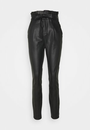 VMEVA MR LOOSE PAPERBAG COATED PANT - Bukse - black