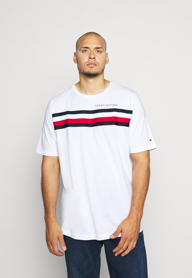 Tommy Hilfiger - GLOBAL STRIPE TEE - Print T-shirt - white