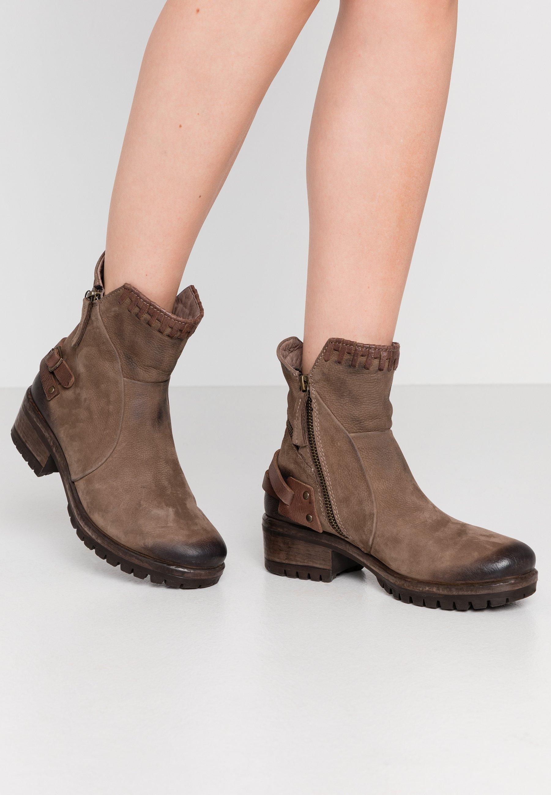Lazamani Schuhe online kaufen | Upgrade für deinen