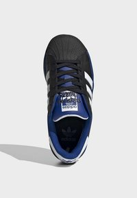 adidas Originals - SUPERSTAR SHOES - Sneakers laag - black - 1