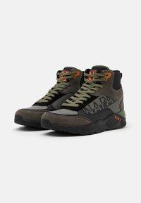 Napapijri - Sneakersy wysokie - green/black - 1
