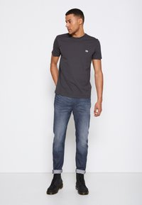 Lee - AUSTIN - Straight leg jeans - dark shark - 4