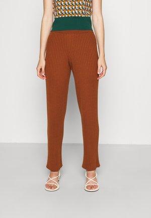 TROUSER - Kalhoty - orange