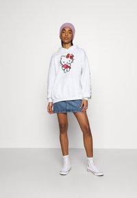 NEW girl ORDER - LOGO HOODY - Sweatshirt - white - 1