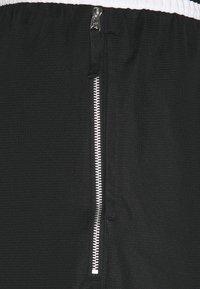 Nike Performance - DRY DNA - Short de sport - black/white - 2