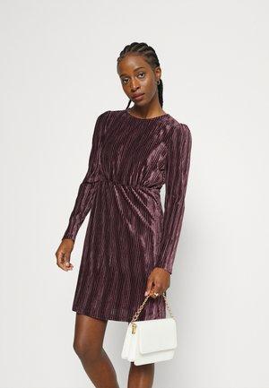 VMDANIA SHORT DRESS - Robe d'été - winetasting