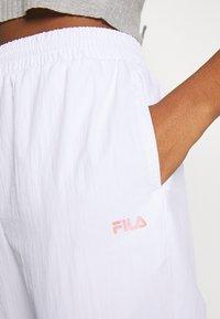 Fila - BAKA - Pantalon de survêtement - bright white/limelight - 4