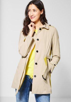 MIT COLOURBLOCK - Trenchcoat - beige