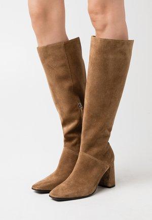 KERI - Boots - wood