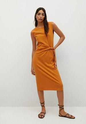 FERTI - Korte jurk - oranje