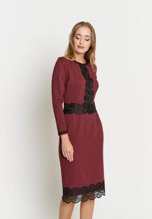 TROPICANA - Day dress - weinrot
