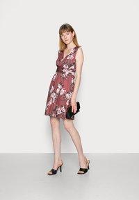 Anna Field - CACHE COEUR PRINTED DRESS - Jerseykjole - light pink - 1