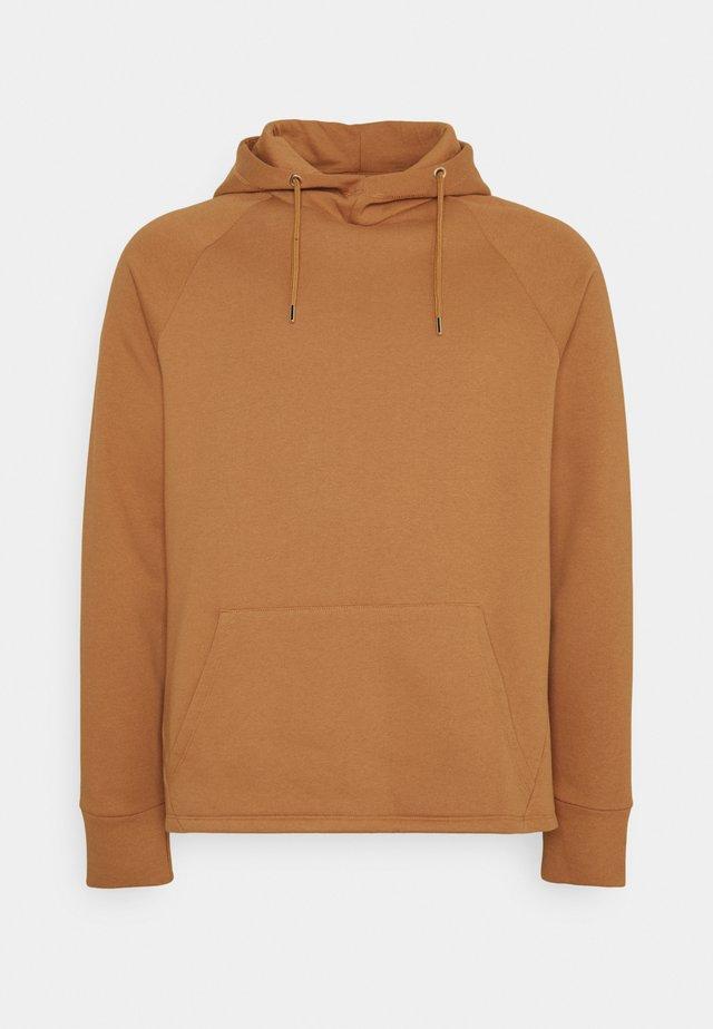 PLUS CURVE HEM HOODIE - Sweatshirt - camel