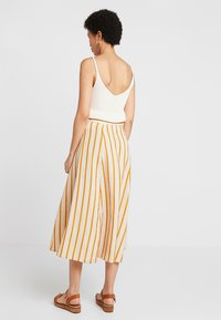NORR - AMIRA SKIRT - Maxi skirt - golden brown/white - 2