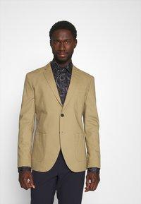 Selected Homme - SLHSLIM TREY - Blazer jacket - kelp - 2