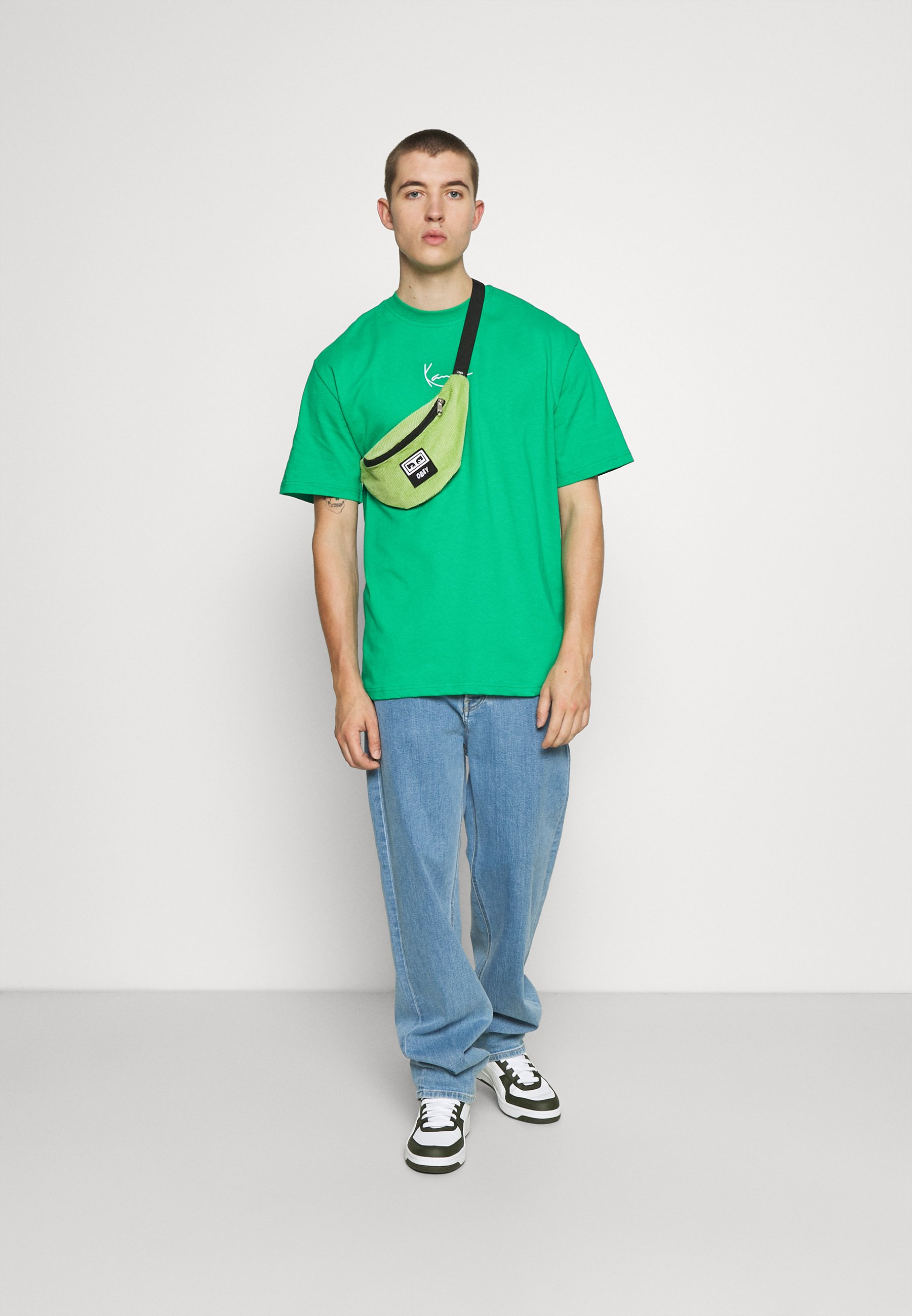 Homme SMALL SIGNATURE TEE GREEN UNISEX  - T-shirt basique