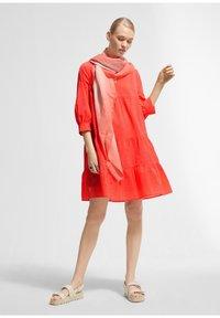 comma - Jumper dress - coral - 1