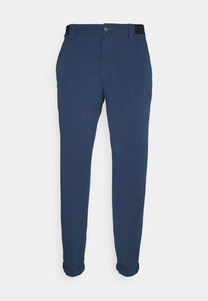 PIN ROLL PANT - Trousers - crew navy