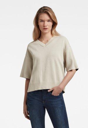 V-NECK - Basic T-shirt - off-white
