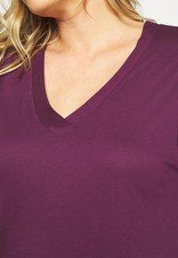 Evans - PURPLE V-NECK VISCOSE LONG NIGHTDRESS - Noční košile - purple - 6